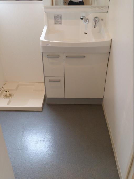スッキリとした使い勝手のよい洗面室