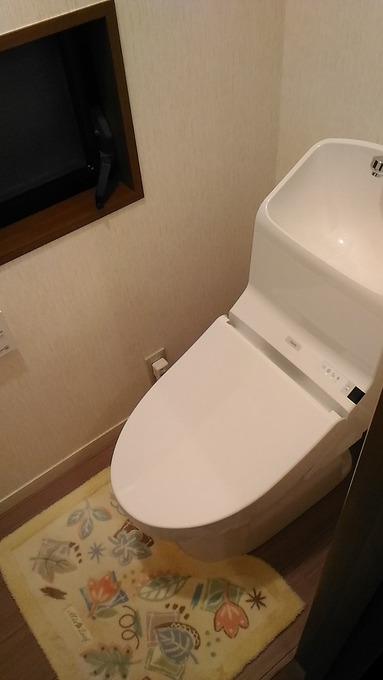 トイレ交換(クロス張替込)