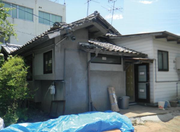 平成28年熊本地震で大規模半壊の判定。 ご自宅を前にしてE様のお気持ちはいかほどだったでしょう?