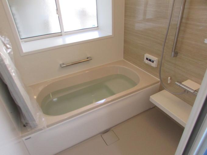 断熱仕様のパネル・断熱浴槽・付加断熱とハイスペックな浴室になりました。