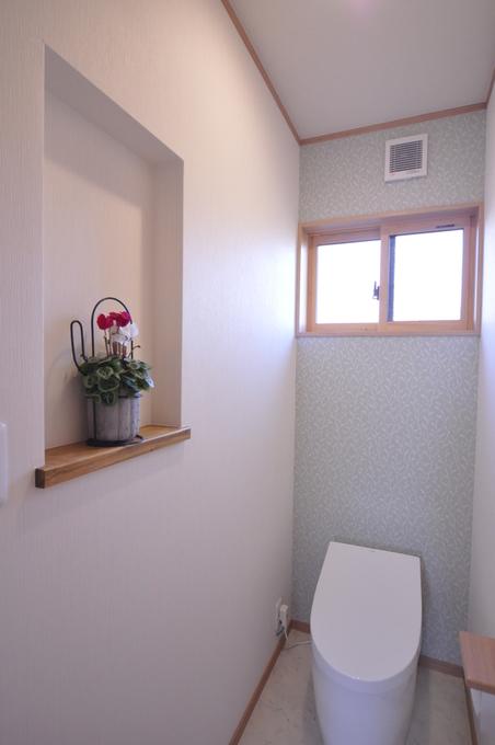 ニッチが可愛いトイレ空間