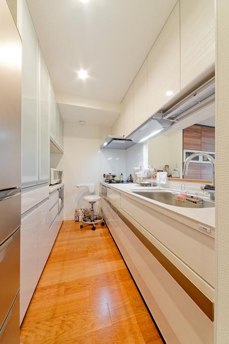 最新設備を備えるキッチン