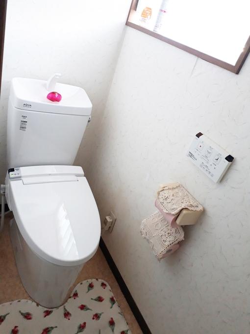 掃除しやすく節水型のトイレになりました