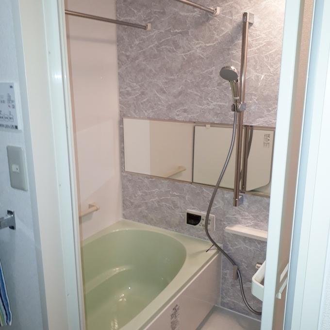 たった2日で機能的でおしゃれな浴室に