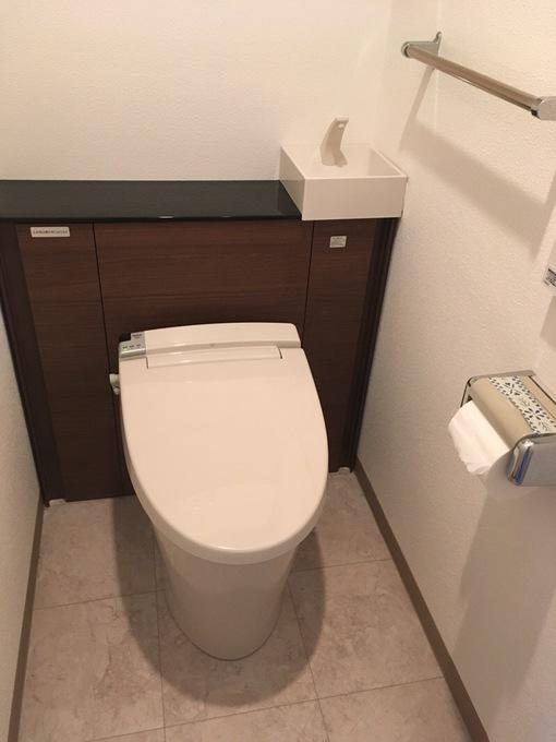 収納キャビネット付トイレですっきり