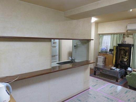 キッチン前の空間をもっと機能性のあるものにしたいと希望されました。