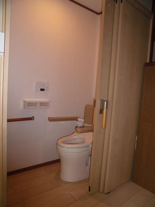 寝室にトイレを新設