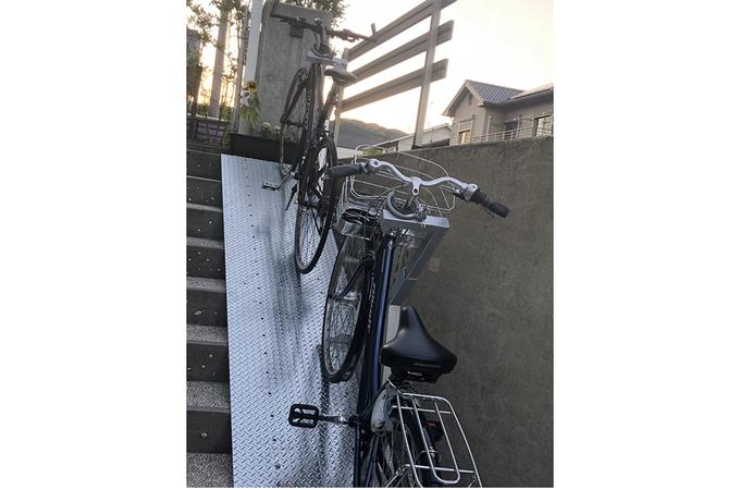 サイクルラック取り付け