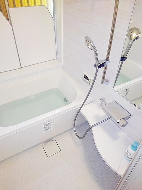 冬でも暖かい快適な浴室空間に。