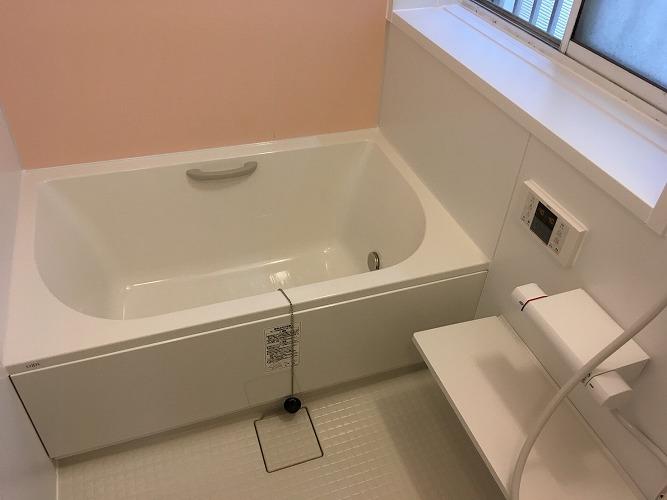 お風呂を交換。バリアフリーで快適に!