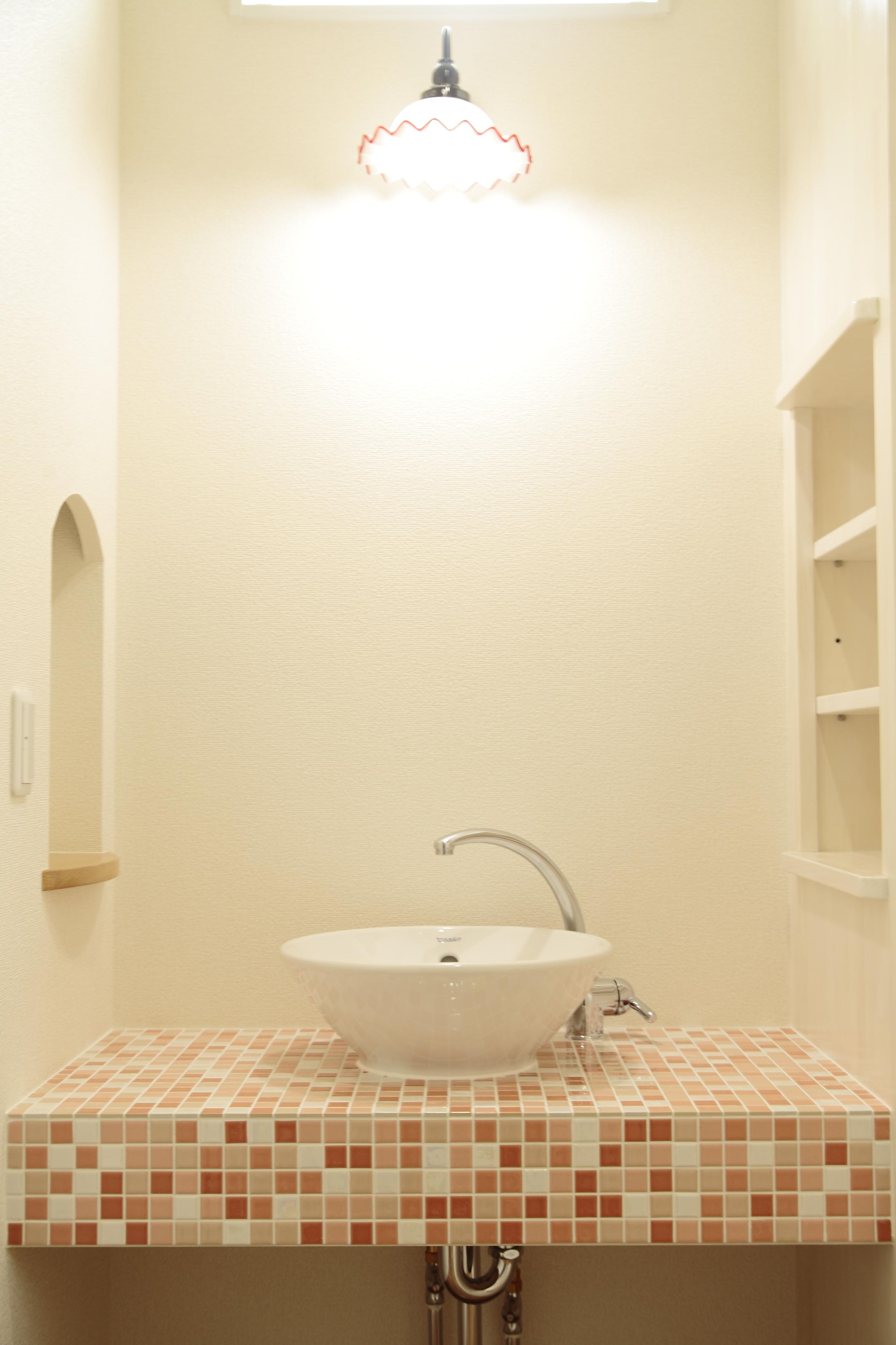 モザイクタイルの可愛い洗面台
